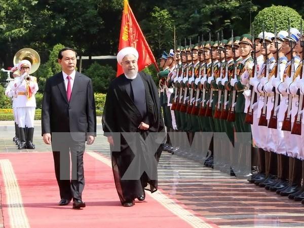 越伊两国领导一致同意进一步加强多方面的合作 hinh anh 1