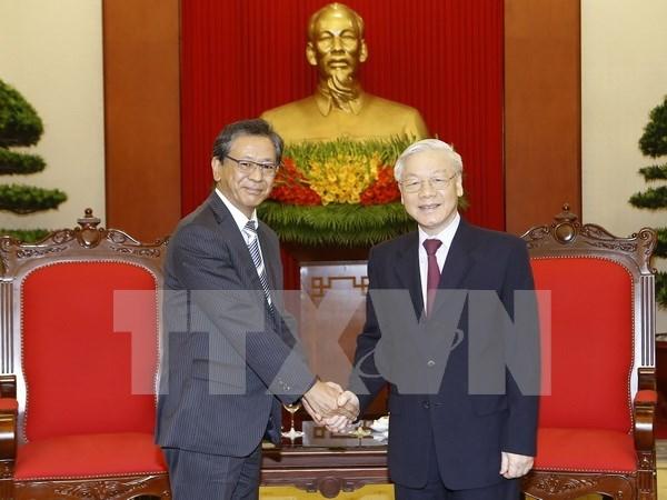 越共中央总书记阮富仲会见日本驻越南大使 hinh anh 1