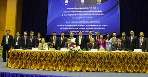 越老柬三国社会科学第五次国际研讨会在老挝万象举行 hinh anh 1