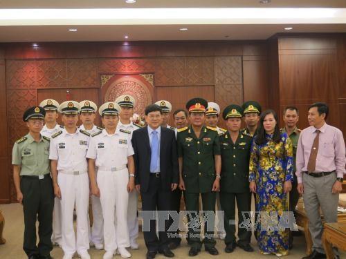 越南庆和省领导会见中国海军舰艇编队代表团 hinh anh 1