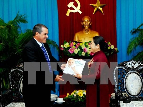 胡志明市领导会见古巴拉丁美洲通讯社 hinh anh 1
