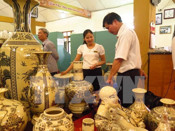 越南应努力提升手工艺业品牌强势地位 hinh anh 1