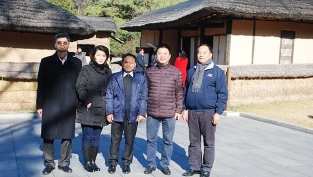 越南《人民报》社代表团对朝鲜进行工作访问 hinh anh 1