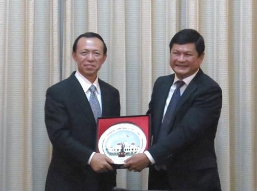 胡志明市与中国山东省加强合作关系 hinh anh 1