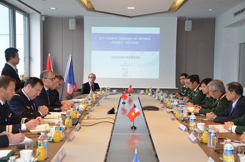 越法两国推动防务合作关系务实发展 hinh anh 1