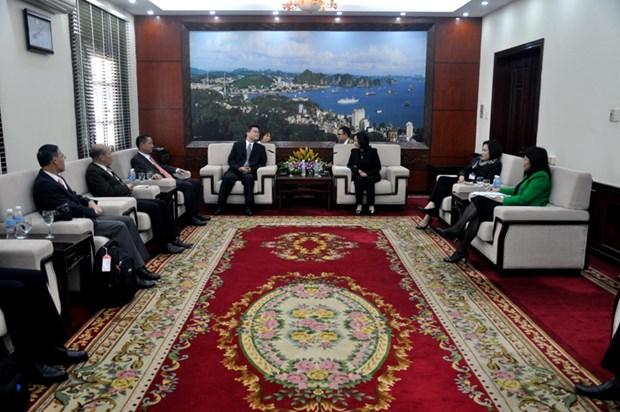 进一步加大广宁省与中国广东省在各领域的交流与合作力度 hinh anh 1
