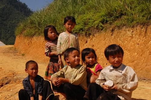 国际组织援助改善越南北部山区儿童营养状况 hinh anh 1