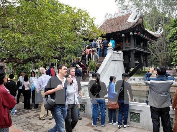 今年前十月河内接待国际游客量达近320万人次 hinh anh 1