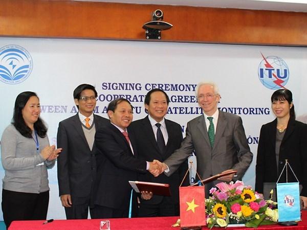 越南与国际电信联盟加强卫星运行控制领域的合作 hinh anh 1