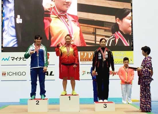 2016年亚洲青年暨青少年举重锦标赛:越南队共获17枚金牌 hinh anh 1