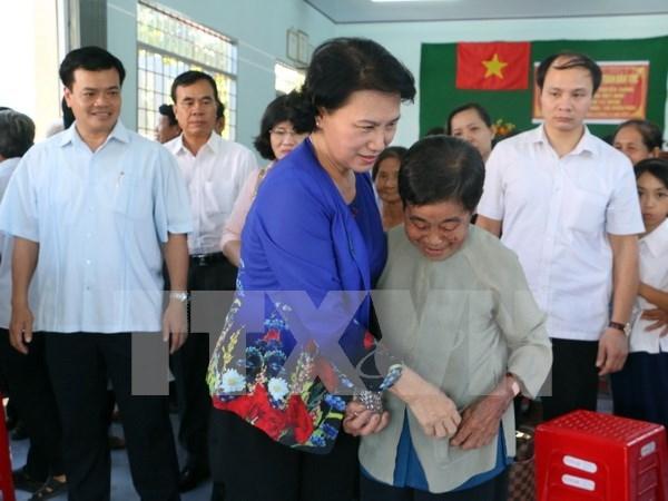 越南国会主席阮氏金银出席在槟椥省举行的民族大团结日活动 hinh anh 1