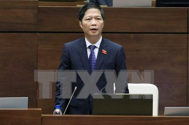 越南第十四届国会第二次会议:工商部长陈俊英就国会代表提出的若干热点问题予以解答 hinh anh 1
