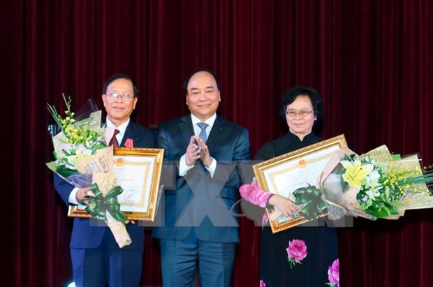政府总理阮春福向全国教师致以教师节的祝贺 hinh anh 1