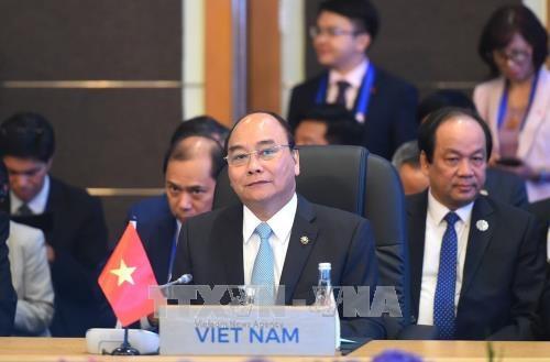 政府总理阮春福出席第31届东盟峰会系列活动 (组图) hinh anh 4