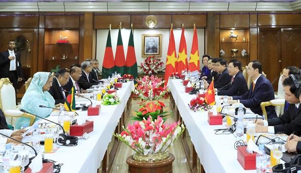 越南国家主席与孟加拉国总理谢赫•哈西娜举行会谈 hinh anh 1