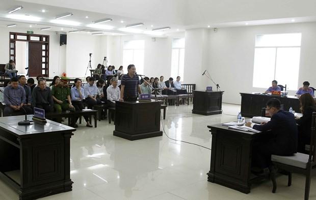 何文深及同犯贪污案二审法庭:何文深建议减轻对部分被告人量刑 hinh anh 2