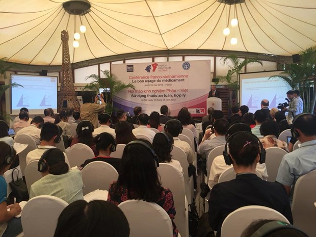 法国向越南分享药物合理使用相关经验 hinh anh 1