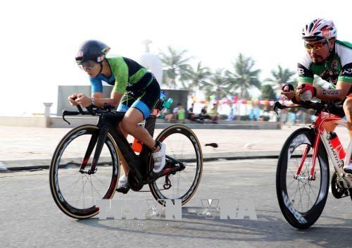 来自56个国家的1600名运动员参加越南2017年铁人三项比赛 hinh anh 3