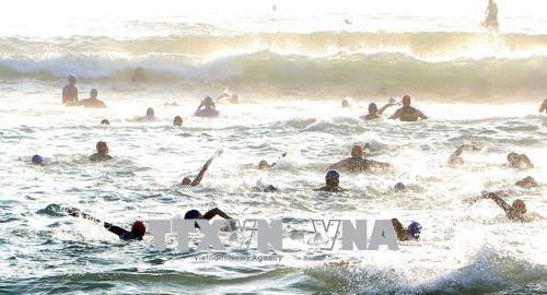 来自56个国家的1600名运动员参加越南2017年铁人三项比赛 hinh anh 2
