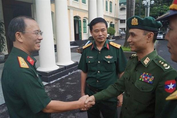 越南与缅甸青年加强军官经验交流 hinh anh 1