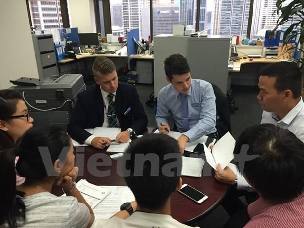 越南驻澳大使馆将推动解决越南留学生网络机票诈骗案 hinh anh 1