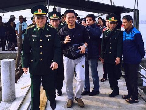 广平省:海上遇险的一名中国公民获救 hinh anh 1
