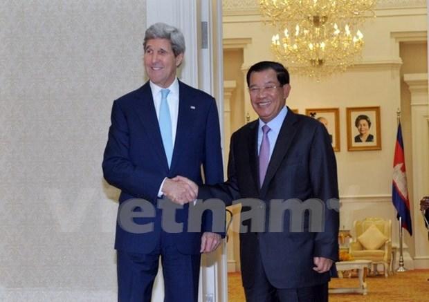 柬埔寨首相洪森会见美国国务卿克里 hinh anh 1