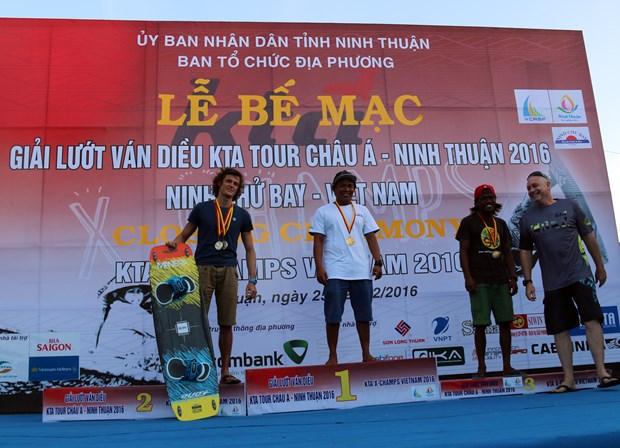 2016年风筝帆板亚洲巡回赛落下帷幕 越南运动员获一金 hinh anh 1