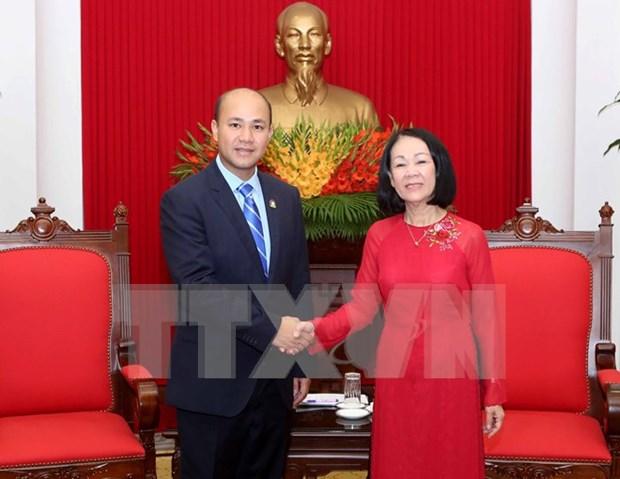 越共中央民运部部长会见柬埔寨青年联合会代表团 hinh anh 1