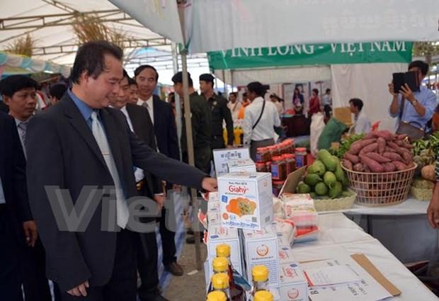 越南企业大力促进对柬埔寨贸易交流活动 hinh anh 1