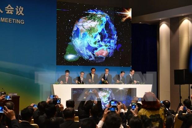 越南政府副总理范平明在湄澜合作首次领导人会议发表重要演讲 hinh anh 1