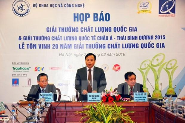 越南80家企业荣获2015年越南国家质量奖暨亚太国际质量奖 hinh anh 1