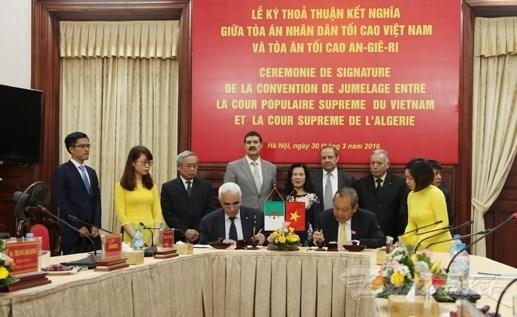 越南与阿尔及利亚加强司法合作 hinh anh 1