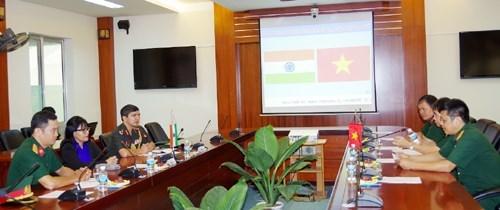 印度驻越大使访问越南通信联络大学 hinh anh 1