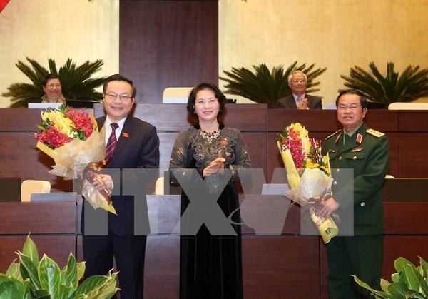 越南第十三国会第十一次会议:杜伯巳与冯国显当选第十三届国会副主席职务 hinh anh 1