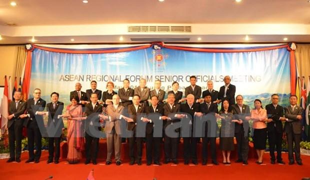 东盟地区论坛高官会:越南重申对东海问题立场 hinh anh 1