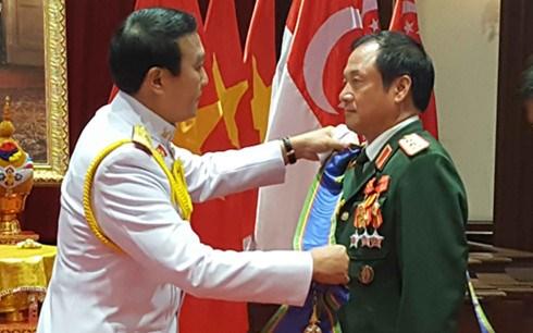 泰国向越南人民军一位上将颁授一级大十字骑士章 hinh anh 1
