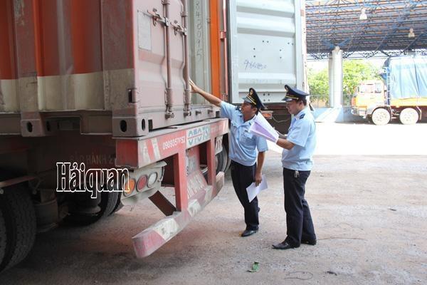 老挝对越南实现贸易顺差额650万美元 hinh anh 1