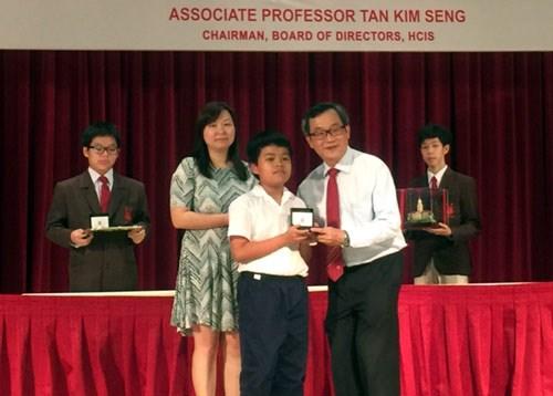 越南学生在亚太地区数学奥林匹克竞赛获得6枚金牌 hinh anh 1