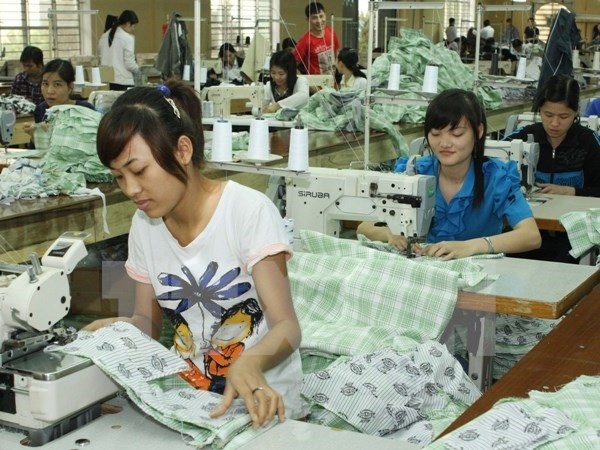 中国人民币汇率创五年新低对越南企业造成影响 hinh anh 1