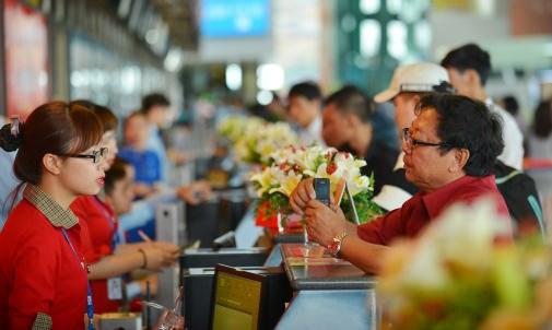 越捷航空公司推出10万张暑假快乐游的特价机票 hinh anh 1