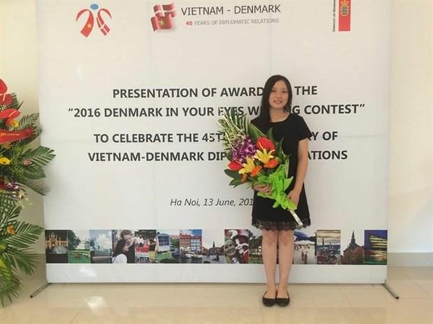 """""""我眼里的丹麦""""写作竞赛颁奖仪式在河内举行 hinh anh 1"""