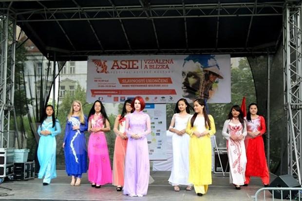 越南文化亮相捷克亚洲文化节 hinh anh 1