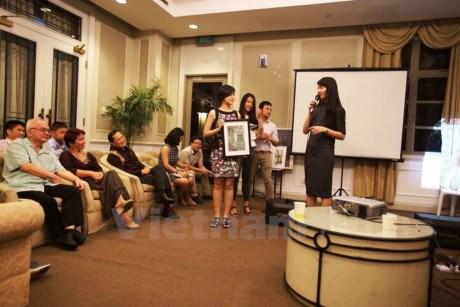 近120名越南贫困学生获得兰花助学金 hinh anh 1