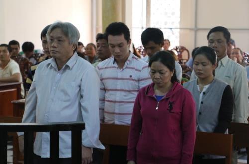 安江省人民法院开庭审理从柬埔寨走私入境越南境内的食糖走私案 hinh anh 1
