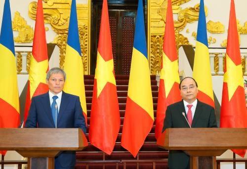 越罗两国发表联合声明就许多重要问题达成一致 hinh anh 1