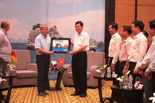 罗马尼亚总理达契安·乔洛什访问越南广宁省 hinh anh 1