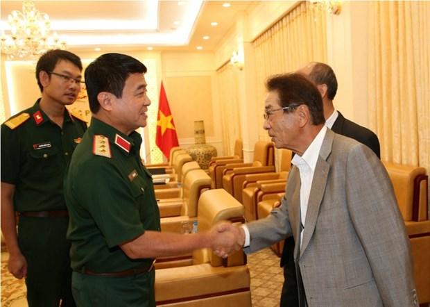 越南人民军副总参谋长武文俊上将会见日本客人 hinh anh 1