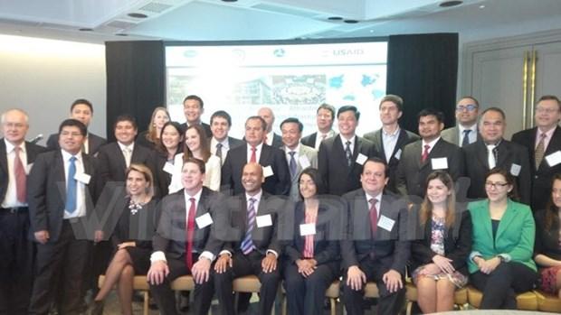 越南代表出席在墨西哥举行关于交通领域的亚太经济合作组织研讨会 hinh anh 1