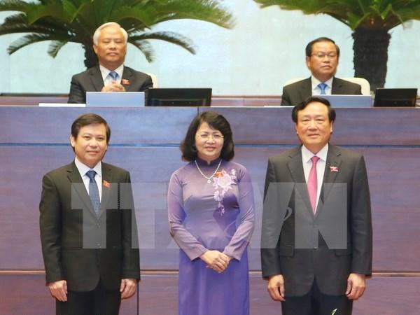 越南第十四届国会一次会议:国会代表投票选举国家副主席和最高人民法院院长等职务 hinh anh 1